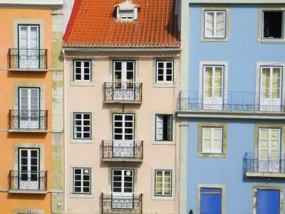 O aumento das taxas de juro reflecte a subida das taxas Euribor, que afectam directamente o valor da prestação da casa paga por muitas famílias. Foto de Paulete Matos.