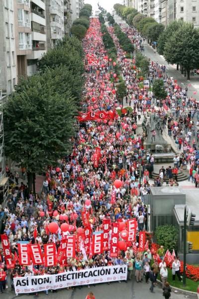 Manifestação em Vigo em dia de greve geral. Foto de EPA/Salvador Sas