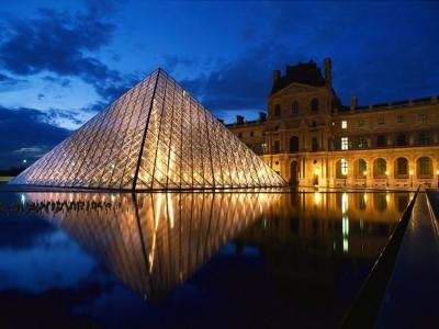 Paris expulsa sem-abrigo das principais zonas comerciais e turísticas