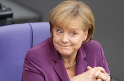 """Angela Merkel qualificou como uma """"derrota dolorosa"""" o resultado obtido pela coligação CDU-FDP nas eleições regionais na Baixa Saxónia."""