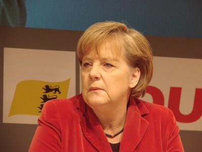 Merkel volta também a pressionar os outros países europeus para que inscrevam nas suas constituições o limite à dívida pública - Foto de Savas Savidis/Flickr