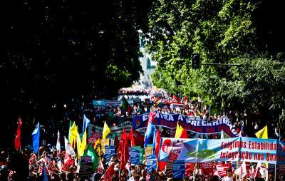 Mais de 300 mil em protesto contra as política de austeridade.  Foto LUSA