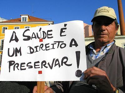 """Mini-PEC da Saúde promove """"cortes cegos"""". Foto de  Paulete Matos"""