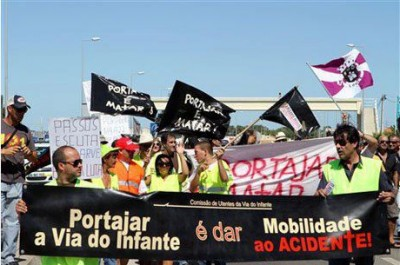 Foto de Portagens na A22 Não, página no facebook