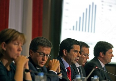 Queda continuada da receita fiscal compromete défice de 2013