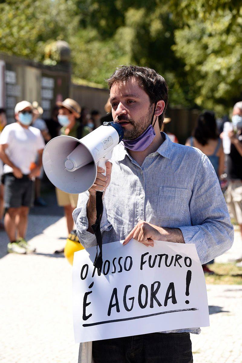 """""""O nosso futuro é agora!"""", José Soeiro via Facebook de Egídio Santos."""