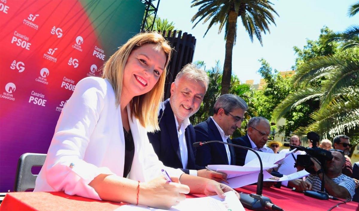 Asinatura do Pacto das Flores em Tenerife.