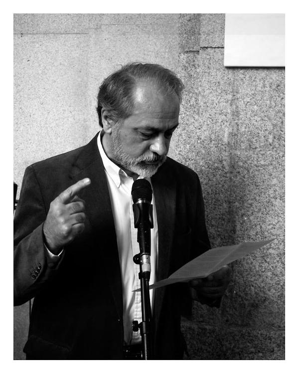 Renato Soeiro a intervir na inauguração de uma placa alusiva às lutas estudantis no edifício da Reitoria da Universidade do Porto
