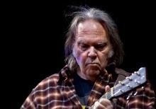Neil Young – Foto de Per Ole Hagen/wikipedia, concerto na Noruega em 2009