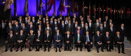 Foto de família dos participantes na reunião entre os ministros das Finanças do G20 e os governadores dos bancos centrais.