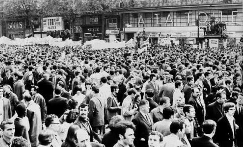 A manifestação de 13 de maio de 68 em Paris mobilizou mais de 500 mil pessoas