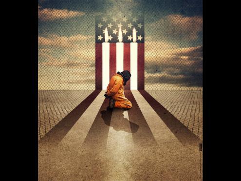 Prisioneiro de Guantanamo e bandeira dos EUA