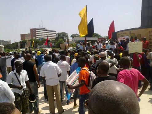 Manifestação pela Liberdade de Expressão em Angola - 2 de Abril de 2011, foto de centralangola7311.net