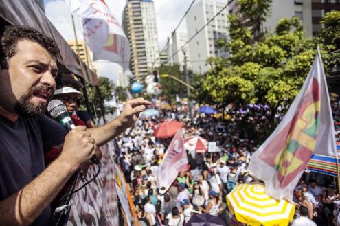 """Guilherme Boulos: """"A condenação e prisão do Lula tem o objetivo de o retirar do processo eleitoral"""", foto do seu facebook."""