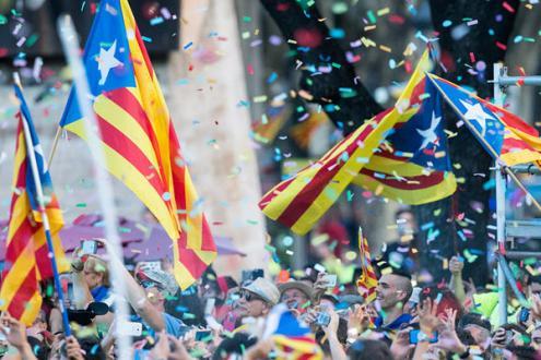Catalunha: Tribunal espanhol suspende lei que permitiria independência