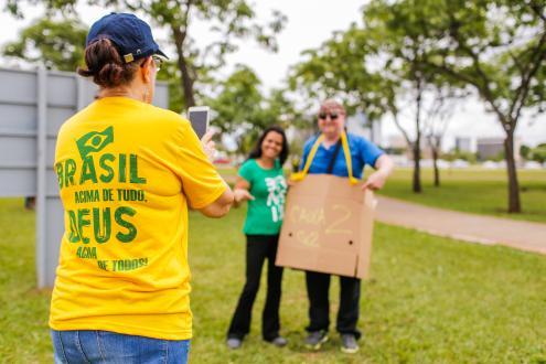 """Presidenciais no Brasil (2º turno): a democracia no """"bolso"""" da extrema direita"""