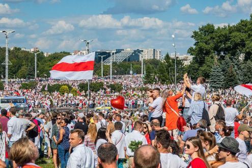 Manifestação contra Lukashenko a 16 de agosto em Minsk.