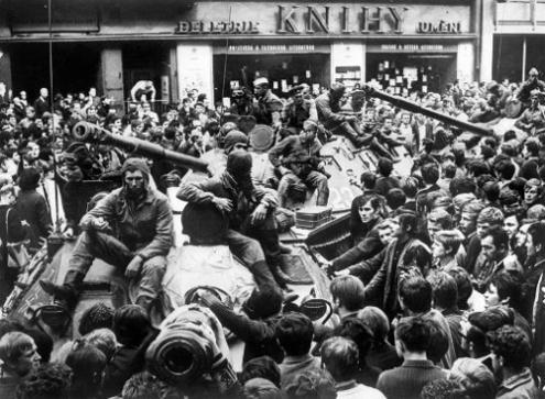 Checoslováquia 1968: A resistência dos trabalhadores e dos estudantes prolongar-se-ia durante vários meses. A normalização só chegaria ao longo de 1969