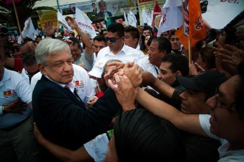 México vai a votos em eleições históricas