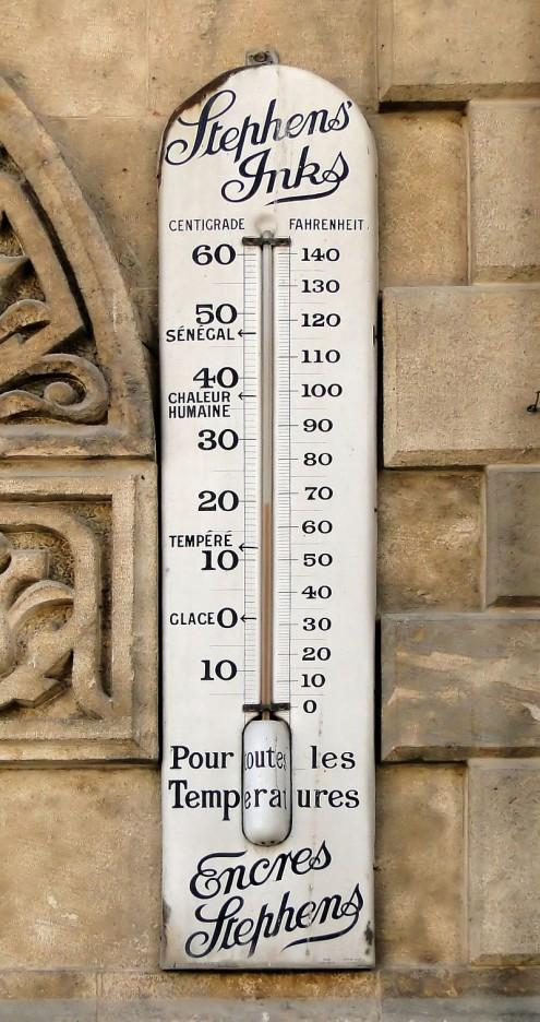 Termómetro exterior, via wikicommons