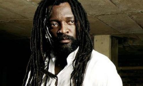 Lucky Dube foi um músico sul-africano e ativista anti-apartheid