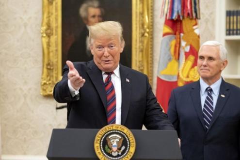 Toda a direita pró ocidental se une e rejubila com o golpe de estado em curso na Venezuela – Na foto, Donald Trump e Mike Pence