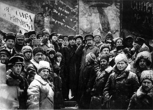 Lenine e Trotsky nas comemorações do segundo aniversário da Revolução Russa, em 1919.