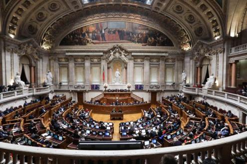 Parlamento condena facilitação do recurso à pena de morte em Israel