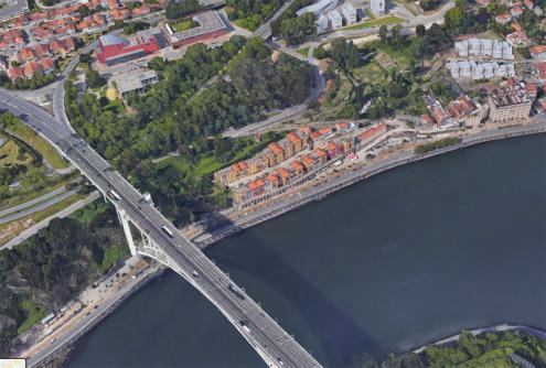 Terrenos junto à Ponte da Arrábida no Porto