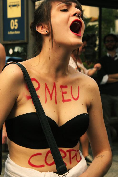 Chega de assédio! É tempo de desconfinar as mulheres na esfera pública