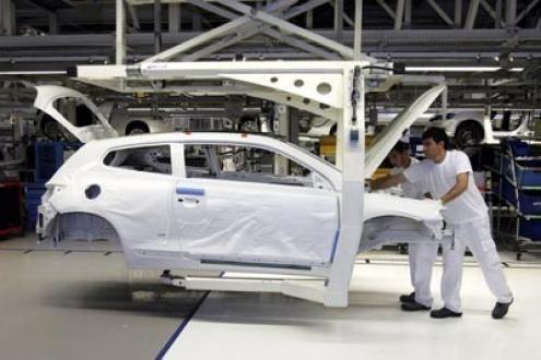 Coordenadora das CT's do parque industrial da Autoeuropa alerta para gravidade da situação - Foto de Miguel A. Lopes/Lusa