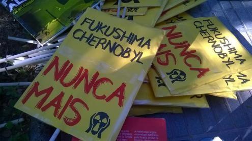 Ambientalistas portugueses e espanhóis, reunidos nesta quarta-feira, decidiram convocar uma concentração pelo encerramento da central nuclear de Almaraz (dia 12 de janeiro) e também uma conferência internacional para o dia 4 de fevereiro.