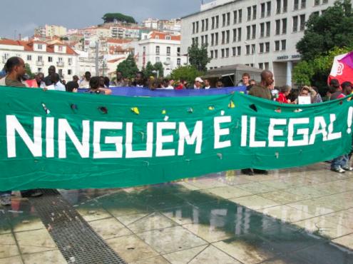 Para combater estas novas práticas, a associação Solidariedade Imigrante convocou uma concentração para a manhã de segunda-feira, 14 de maio, em frente à Assembleia da República, às 10 horas. Fotografia de Paulete Matos.