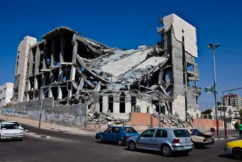 Edifício de Gaza destruído por um bombardeamento em 2009. Foto de Marius Arnesen