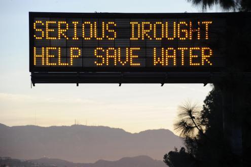 Multinacionais engarrafam água para exportar? Isto é poupar água?