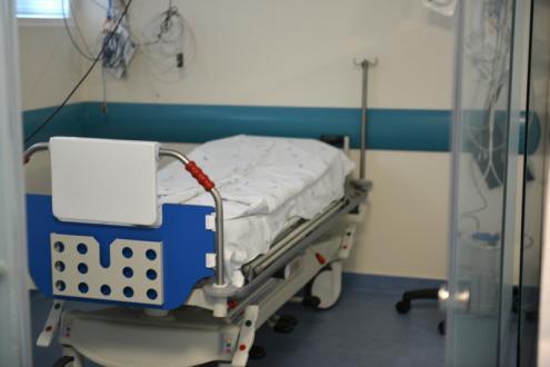 Hospital Pulido Valente entrega 44 camas à Misericórdia de Lisboa