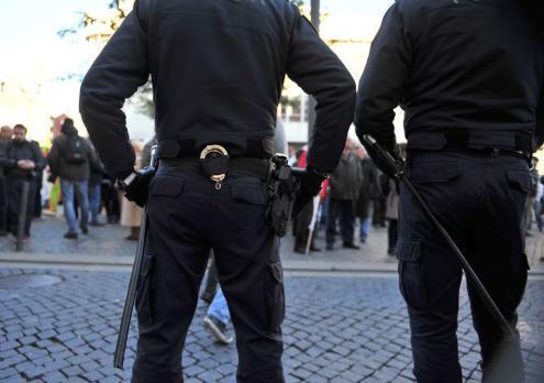 Presença de elementos de extrema direita na polícia sob investigação