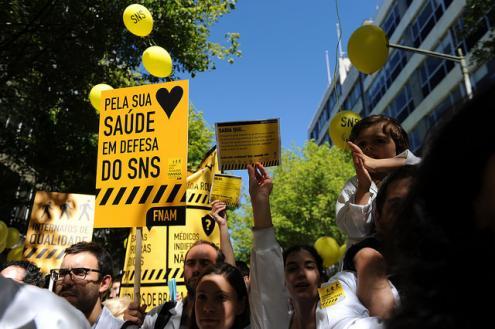 Em defesa do SNS, António Arnaut e João Semedo propõem uma nova lei de bases da Saúde – Foto de Paulete Matos