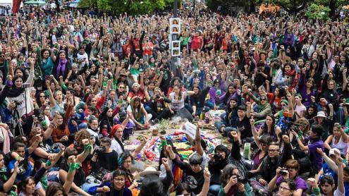 Centenas de milhares de pessoas de toda a América Latina e outras partes do mundo reuniram-se por três dias para discutir questões feministas / Foto Marcha Noticias