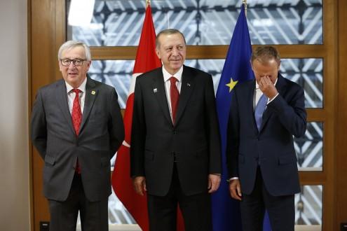 Erdogan com Claude Juncker e Donald Tusk a 25 de maio de 2017. Foto de François Lenoir, POOL/Lusa.