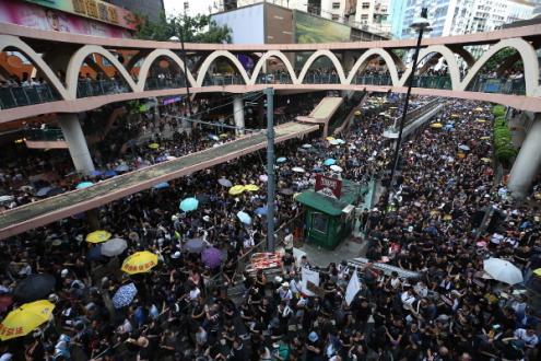 Hong-Kong, marcha de protesto contra o governo de Carrie Lam, 21 de julho de 2019 - Foto de Jerome Favre/Epa/Lusa
