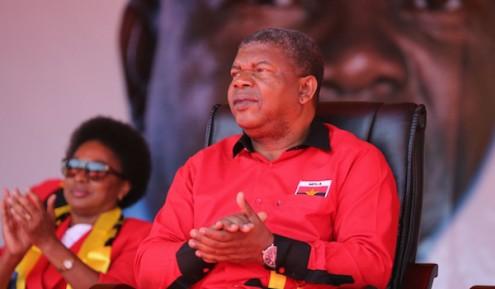 A previsão dos resultados eleitorais em agosto, encomendada pela Presidência da República, revela a vitória do MPLA, com apenas 38 por cento dos votos, face à oposição
