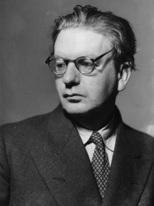 O inventor, engenheiro e empresário escocês John Logie Baird.