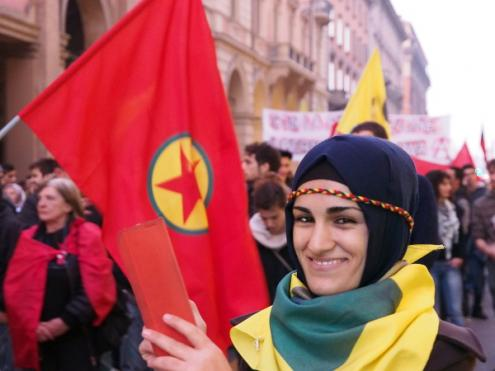 [Imagem: kurdish_protests_against_kobane_siege_in...k=BMQWuYQS]