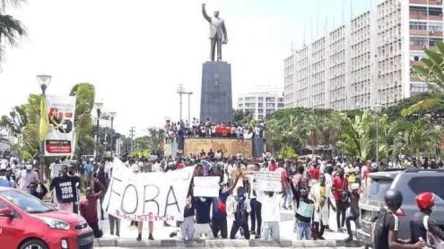 Manifestação da sociedade civil em Luanda a 10 de dezembro de 2020, Largo da Independência - Foto de ativistas publicada no facebook