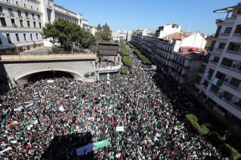 Manifestação em Argel, 15 de março de 2019 – Foto de Mohamed Messara/Epa/Lusa