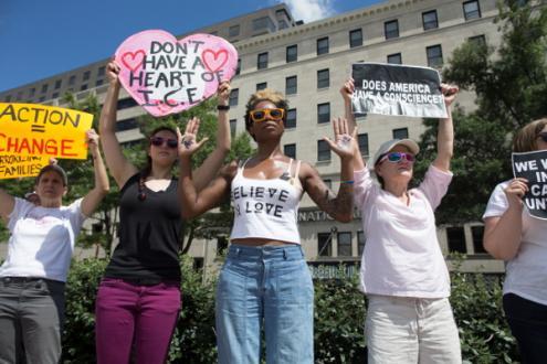 Marcha pelo fim da separação das famílias migrantes e contra as detenções, washington, 28 de junho de 2018 – Foto de Michael Reynolds/Epa/Lusa