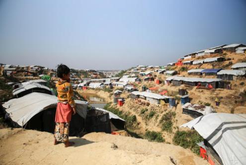 Mais de 647 mil rohingyas fugiram da Birmânia para o Bangladesh e estão agora abrigados em acampamentos superlotados e insalubres. Foto de Mohammad Ghannam/MSF.