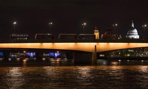 Ponte de Londres na noite do ataque terrorista. Por Will Oliver, EPA/Lusa.