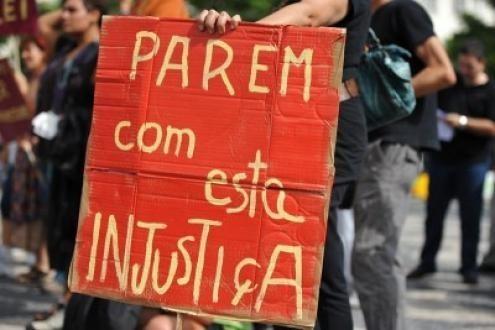 Na resposta às questões do Bloco, o Ministério da Educação reconhece a existência de erros e garante que estes poderão recorrer hierarquicamente, mantendo-se no procedimento e manifestando as suas preferências de colocação. Foto de Paulete Matos.
